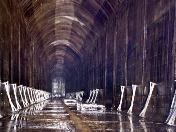 In oude oliebunkers is de langste nagalmtijd ter wereld gemeten